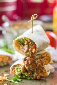 Vegan Seven Layer Burritos - Recipes to try - makeupwerkzeug Vegan Burrito, Burrito Bowls, Delicious Vegan Recipes, Vegetarian Recipes, Vegetarian Lifestyle, Sour Cream, Easy Cooking, Cooking Recipes, Kitchen Recipes