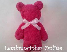 Ursinho feito com uma toalha escolar (lavabo) Acompanha cartãozinho personalizado. Pedido mínimo 20 unidades. #lembrancinha #maternidade #babyshower