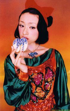Chiaki Kuriyama - Snow White - Princess Photobook by Mika Ninagawa