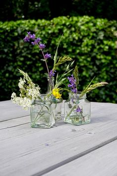 Outdoor wild flowers   Styling   Tuinfeest Glass Vase, Home Decor, Decoration Home, Room Decor, Home Interior Design, Home Decoration, Interior Design