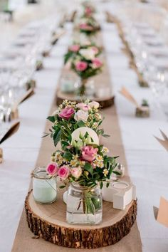 Cheap table decorations - 70 ideas that you can easily copy - dining room . - Cheap table decorations – 70 ideas that you can easily copy – Dining room – Dining table with - Cheap Table Decorations, Wedding Decorations, Centerpiece Ideas, Long Table Centerpieces, Centerpiece Wedding, Wedding Placecard Ideas, Rustic Wedding Table Decorations, Xmas Wedding Ideas, Wood Slab Centerpiece