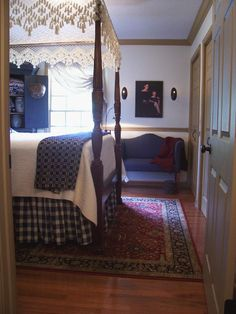 Another view of blue bedroom on previous pins Blue Bedroom, Bedroom Decor, Early American Decorating, Colonial Bedroom, Primitive Living Room, Victorian Furniture, Beautiful Bedrooms, Country Decor, Country Sampler
