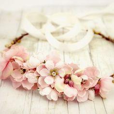 #Coroncine di #fiori, un dettaglio di #stile per le #cerimonie delle nostre #bambine