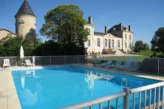Schloss mit Pool auf Weingut (90 hect mit AOC Prestige)in der Nähe von Bordeaux.