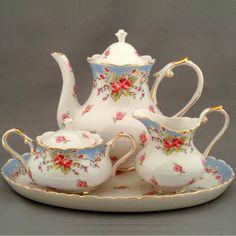 ** Trio set na čaj - porcelán s růžičkami **