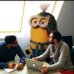 Un brainstorming est en cours avec Maxime, Valentin et Kevin, notre nouveau Project Manager :-) #Minions #Brainstorming #AgencyLife