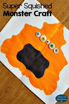 october crafts for kids Children will have a blast squishing paint inside of a folded piece of paper and transforming the blob to become a Super Squished Monster Craft. Halloween Art Projects, Theme Halloween, Halloween Crafts For Kids, Craft Projects, Preschool Art Projects, Preschool Halloween, Halloween Labels, Spooky Halloween, Halloween Stuff