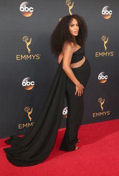 Retour Sur le Tapis Rouge des Emmy Awards 2016 Kerry Washington Portant une tenue signée Brandon Maxwell.