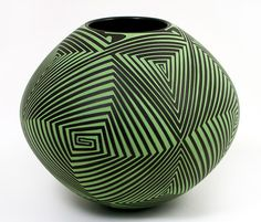 Hand-painted lines in a natural green pigment. This will get visitors in your house talking. Doesn't need a thing in it! Ceramic Pots, Ceramic Clay, Ceramic Pottery, Pottery Art, Keramik Design, Mexican Ceramics, Pueblo Pottery, Sculptures Céramiques, Art Diy
