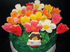 Galletas de flores Garden S, Sugar, Cookies, Cake, Desserts, Food, Flower Cookies, Custom Cookies, Crack Crackers