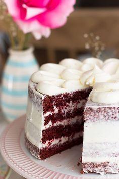 Cocina – Recetas y Consejos Bolo Red Velvet, Velvet Cake, Sweet Recipes, Cake Recipes, Dessert Recipes, Just Cakes, Cakes And More, Bolo Tumblr, Delicious Desserts