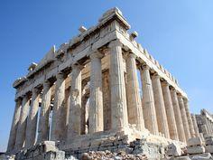 ARCHITETTURA GRECA CLASSICA: Partenone ad Atene - 447 a.C. Tempio periptero (circondato da un colonnato) originariamente ornato da sculture di Fidia.