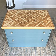 How To Have An Easy Woodworking Project When it comes to woodworking, there is a vast world to learn about. From types of wood to which tools are best, you will find that there is no end to your education. Diy Furniture Plans, Furniture Makeover, Easy Woodworking Projects, Woodworking Plans, Scrap Wood Art, Wood Mosaic, Box Store, Decoration, Remodeling
