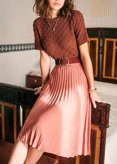 Classy Dress, Classy Outfits, Pretty Outfits, Vintage Outfits, Classy Casual, Classy Clothes, Vintage Inspired Outfits, Vintage Womens Clothing, Pink Skirt Outfits