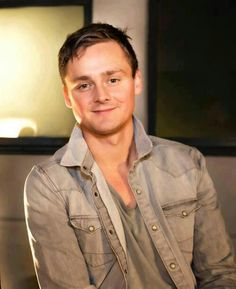 Tom Chaplin (March 8, 1979) British singer and guitarist, from the band Keane.