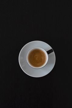 Discover our great selection of free coffee stock photos. Find pictures of coffee mugs, coffee beans, coffee cups, and more unique coffee images. Coffee Love, Best Coffee, Coffee Drinks, Coffee Mugs, Coffee Stock, Panda Wallpapers, Ceramic Coffee Cups, Coffee Photos, Glitter Wallpaper