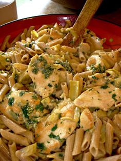 Pasta with chicken and artichokes