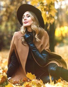 Long Gloves, Women's Gloves, Elegant Gloves, Crazy Women, Gloves Fashion, Black Leather Gloves, Outdoor Woman, Photography Women, Female Portrait