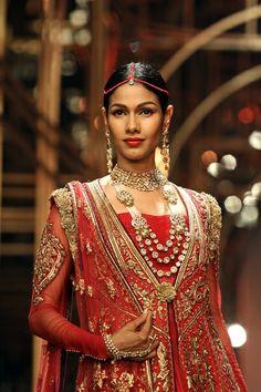 Tarun Tahiliani at Aamby Valley Bridal Week