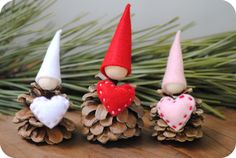Pinecone Valentine gnomes... too cute
