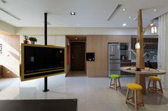 apartamento-en-Taiwan-tv-cocina-comedor