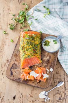 Pickling salmon: recipe for pickled salmon with lemon - Healthy Dinner Amazing Food Photography, Food Articles, Fat Burning Foods, Fish And Seafood, Fish Recipes, Yummy Food, Delicious Meals, Food Porn, Dinner Recipes