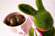 DIY Dog Friendly Easter Eggs | Pretty Fluffy #dog #recipe #easter