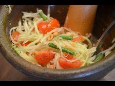 How to Make Thai Papaya Salad - Som Tum ส้มตำ (Thai Food) - YouTube