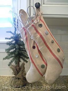 Williams-Sonoma Inspired Stocking. DIY for $1 using tea towels!