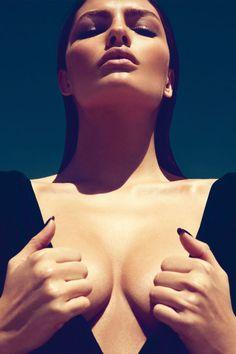 InstaBreast - Temporary Breast Augmentation Procedure