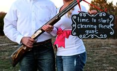 Gender Reveal, country, southern, hunting this is adorable Country Baby Announcement, Gender Reveal Announcement, Gender Announcements, Hunting Pregnancy Announcement, Gender Reveal Pictures, Baby Pictures, Baby Shower Gender Reveal, Baby Gender, Country Gender Reveal