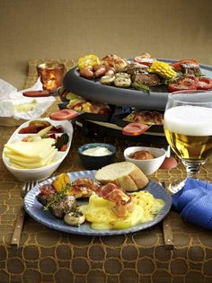 Unser beliebtes Rezept für Geselliges Raclette-Essen und mehr als 55.000 weitere kostenlose Rezepte auf LECKER.de.
