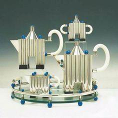 Silver Tea Set Designer: Michael Graves for Alessi Decorative Objects, Decorative Accessories, Decoration, Art Decor, Michael Graves, Silver Tea Set, Bauhaus, Tea Service, Chocolate Pots