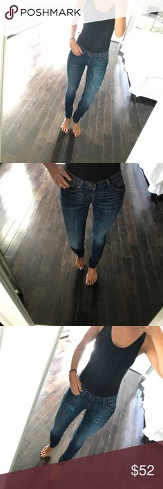 """Guess denim Power Skinny Low Rise Jeans size 24 Absolute perfect condition. Worn once. Size 24. Lowrise skinny jeans. 29"""" inseam and a 6"""" rise Guess Jeans"""