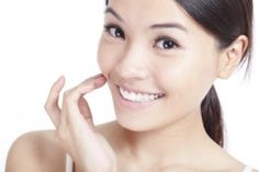 One thing is certain – Asians are very conscious of their beauty. Sales of skin care products in Asia are estimated to exceed US$150 billion in 2017, according to data from market intelligence firm Euromonitor International, and Japan has the highest per capita spending amongst all countries with skin care products. Is it any wonder that such an emphasis on beauty that they might have learned a thing or two about keeping skin younger and more natural?