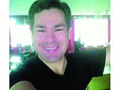Marcos Andrés 'El Chino' Idrovo, quien ingresó junto con 'Sharon La Hechicera' como presentador del programa 'Detectives de famosos' estará ausente por unos días de la pantalla de Canela TV. http://www.elpopular.com.ec/74953-chino-lejos-de-detectives-de-famosos.html