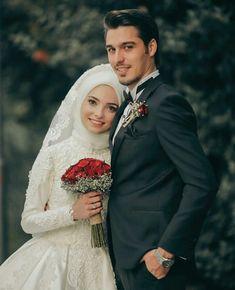 muslim wedding dresses with hijab Hijab Wedding, Muslimah Wedding Dress, Muslim Wedding Dresses, Muslim Brides, Wedding Dresses Photos, Wedding Pictures, Wedding Couple Poses Photography, Wedding Poses, Wedding Photoshoot