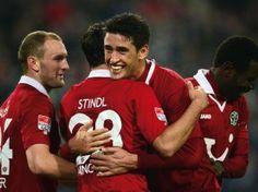 Wer hätte das gedacht? Schon am drittletzten Spieltag der Gruppenphase kann Hannover 96 den Sprung in dieZwischenrundeder Europa League schaffen. (Foto: Peter Steffen/dpa)