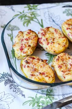 Pieczone ziemniaki faszerowane serem i salami ⋆ M&M COOKING Avocado Egg, Vegan Vegetarian, Baked Potato, Grilling, Food And Drink, Eggs, Vegetables, Breakfast, Ethnic Recipes