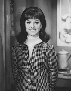 Marlo Thomas as That Girl--quintessential fashion icon of the Sixties!