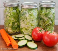 Vacuum-packed jars of lettuce are best with no extra veggies added. Read more about this amazing way to prolong the freshness of cut lettuce. Wheat Berry Bread Recipe, Banana Bread Healthy Yogurt, Clean Recipes, Clean Foods, Cooking Recipes, Types Of Lettuce, Cracked Wheat, Vegetable Prep, Salad In A Jar