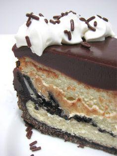 Heidi Bakes: Cookies & Cream Cheesecake