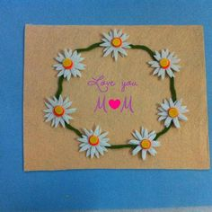 DIY Mother's Day Gift Idea: Frame a Flower Artwork - Createsie Easy Gifts, Homemade Gifts, Crafts For Kids, Arts And Crafts, Diy Mothers Day Gifts, Flower Artwork, Mother's Day Diy, Fun Diy, Spring Crafts