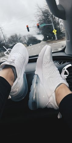 nike all white air max's Cute Teen Shoes, Cute Nike Shoes, Nike Air Shoes, Trendy Shoes, Nike Workout Shoes, Nike Shoes For Women, Adidas Shoes, Cheap Cute Shoes, Cute Nike Outfits