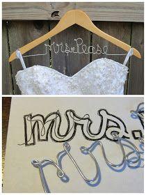 Supertof om zo'n hanger zelf te maken voor je bruiloft! #diy #bruiloft #trouwen