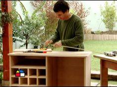 ¿Cómo hacer una mesa multiuso plegable? - YouTube