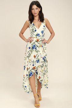 Make your own path in the Something to Believe In Ivory Floral Print Wrap Dress! Gauzy floral print rayon sweeps across this high-low wrap dress. School Summer Dresses, Resort Casual, Lulu Fashion, Gq Fashion, Dress Fashion, Trendy Fashion, Sundresses Women, Wrap Dress Floral, Print Wrap