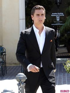 oh scott.  Google Image Result for http://1.bp.blogspot.com/-z5WG58otyuE/TZImDGGe82I/AAAAAAAAAYI/HVqy3rwyqpk/s1600/Scott-Disick-Suits-Up-7-435x580.jpg