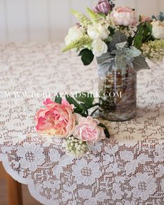 Square Lace Table Overlay 72 x 72 inches, Ivory Lace Tablecloth, Ivory Floral Lace Tablecloths, Vintage Lace Wedding Table Linens