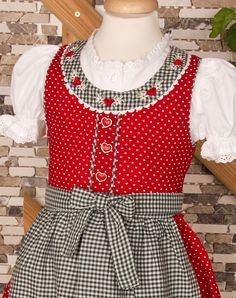Dirndl for children, size Baby Girl Dresses, Flower Girl Dresses, Sound Of Music Costumes, Drindl Dress, Sewing Hacks, Sewing Tips, Sewing Projects, Blouse, Image